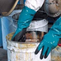 Guanti per Protezione Chimica
